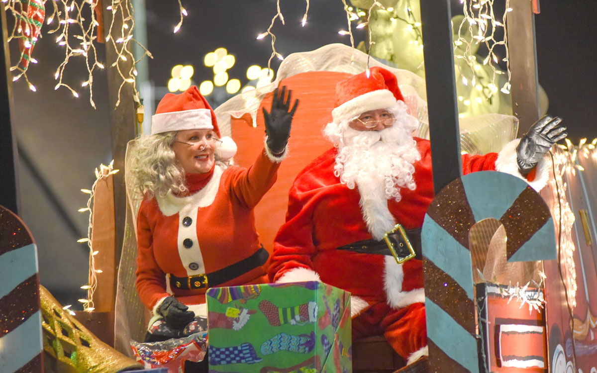 Parades and events kick off Christmas season | Newton County Appeal